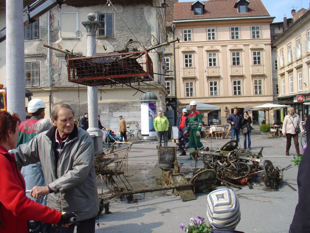 Čiščenje Ljubljanice - foto