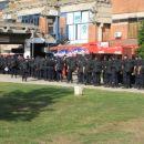 policisti se pripravljajo na tekmo SLO - BIH