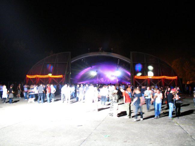 Q-base 2008 - foto povečava