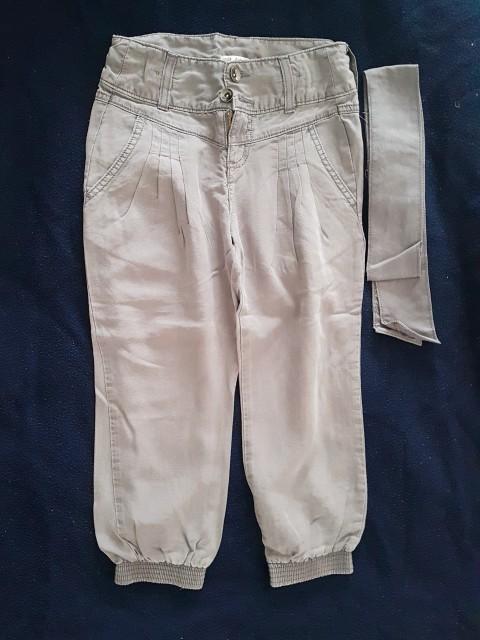 3/4 hlače Marks&Spencer 134... 7 eur