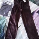 98/104 , 110/116 in 122/128 MAXOMORRA rjave velour hlače/trenirka .. 8 Eur/kos