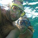 pod vodo se tudi morska deklica najde