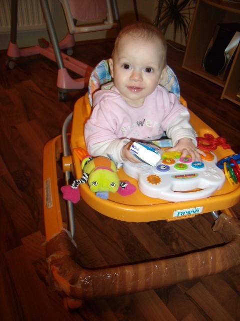 Lana 8.mesec - foto