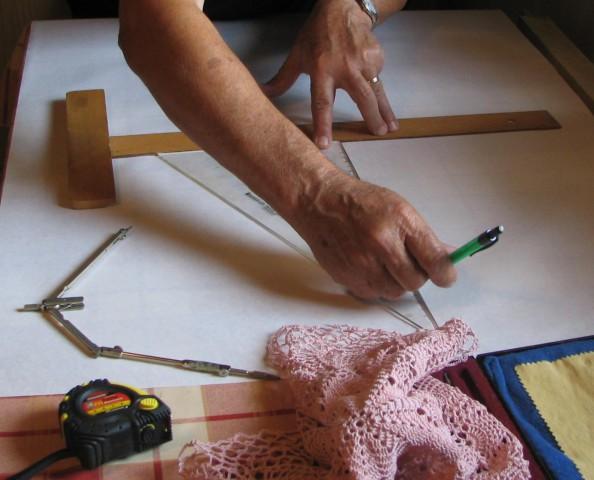 Nariše delitev glede na vzorec prtička.