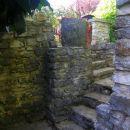 stopnice proti hiši