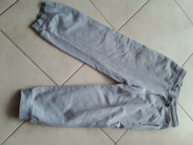 Trenerka hlače h&m, 4e