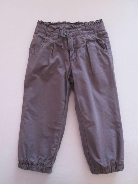 Benetton hlače, št. 90, 6 €