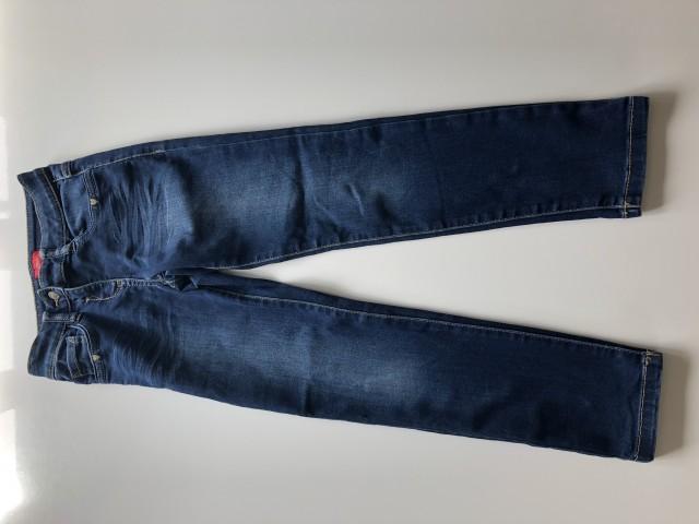 S. oliver,hlače, št. 128, 4 €