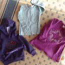 otroška oblačila: majica, jopa, obleka. Skupaj za 8€