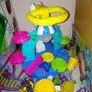 sladolednica z različni lončki 7€, otroške igrače