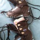 Snowboard čevlji Thirtytwo Lashed(+),štirikrat obuti,št.38,5-30 Eur