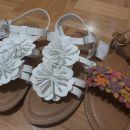 Next sandali 35,5 oz uk3. Nd cca 22,5, vsi novi.