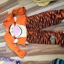 Pidžamica 6-9mes, malo nošena