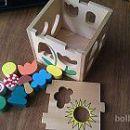 Lesena kocka za vstavljanje likov - 5 €