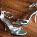 Srebrni elegantni čevlji s peto (št. 37) 20€