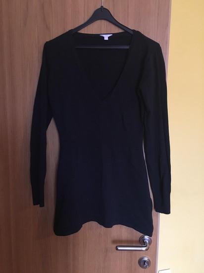Daljši pulover z globokim izrezom