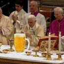 Prva sprememba novega papeža