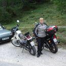Ja, oba naenkrat, vsak na svojem motociklu