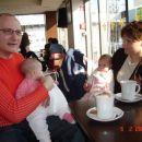 oči in Nika ter teta Nataša in Manca v slaščičarni