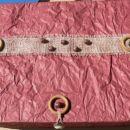 darilca so bila v tej krasni škatli, ki jo je naredila Dodo