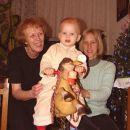 Na konjičku z babico in mamico