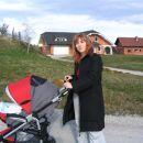 na sprehodeku z mami