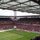 Polni RheinEnergie Stadion (51.000)