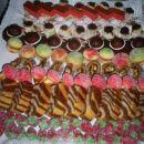 poročno pecivo(jagode,zebrino pecivo,gobice,figove kroglice,breskvice,nevestini klobučki,r
