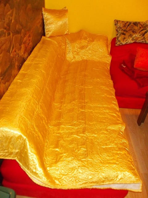 Novo pregrinjalo za postelje oz. kavče - foto