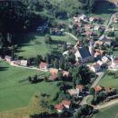 Dvor iz zraka; junij 2001