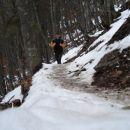 Tukaj na vzponu in tudi prvi sneg .ponekod je bilo prav ledeno in blatno .