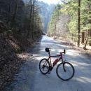 Neokrnjena narava in nikogar daleč naokoli :)) Mir ,svež zrak in samo gozd .Nekaj kilometr