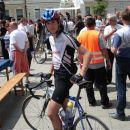 Sotrpin iz portala www.bicikel.com  Po dolgi trasi je prišel na Kranjsko dirko. Njega pozn