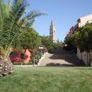 In pogled proti cerkvici Sv.Bernardina .