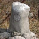 Oznake na kamnih