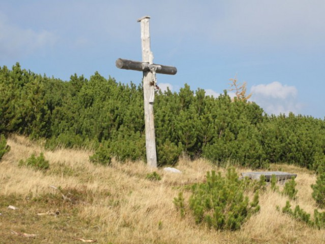 Križ na Dolgih tratah.....