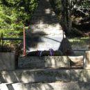 Tudi tukaj pomnik dogodkov iz II.svetovne vojne.