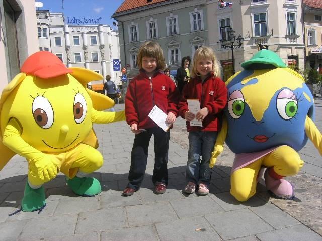 Bine in Julija v Kranju, 27. april 2008 - foto