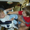 Jan hrani bratca