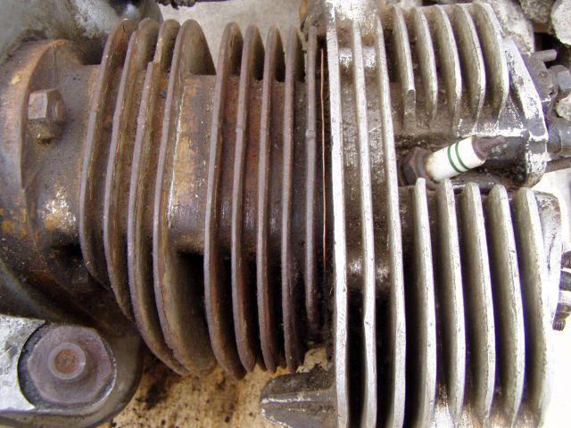 Zundapp KS-750 Engine with spar Parts - foto