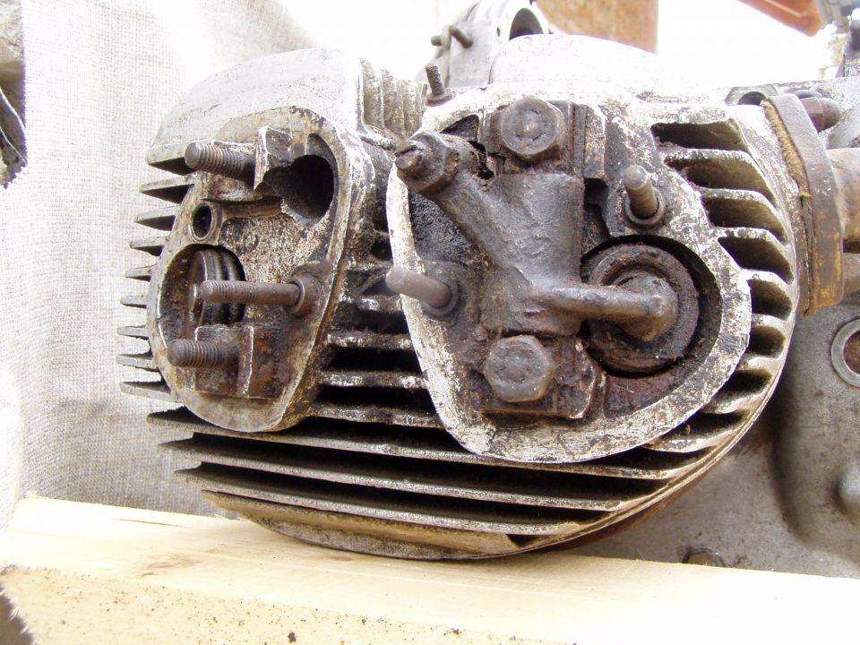 Zundapp KS-750 Engine with spar Parts - foto povečava
