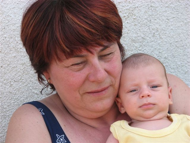 Z Babi na morju. Šišan, julij 2007, star 7t.
