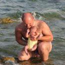 Prvič v morju. Šišan, julij 2007.