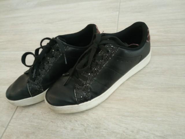 Čevlji 37