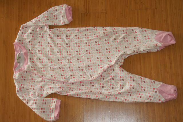 Pižamica 9-12 m, 3 eur