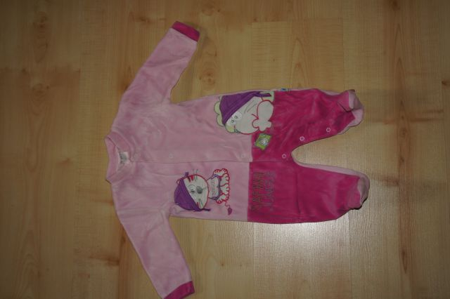 Pajacek; pižamica št. 74; 4 eur